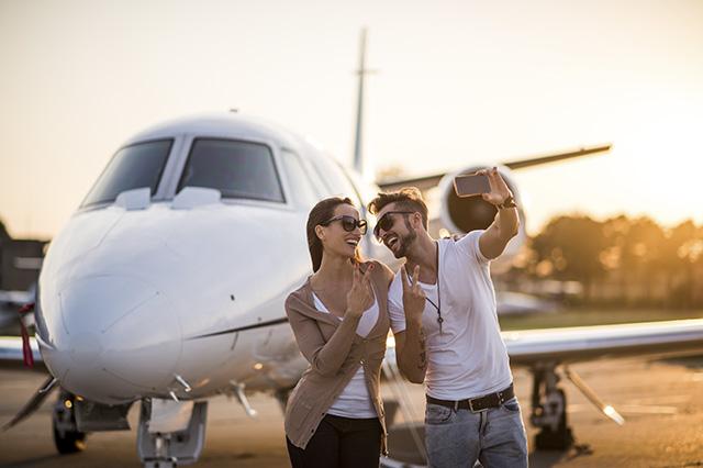 4 Viajes de placer (pareja selfie)