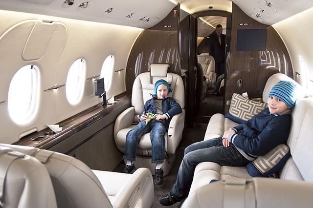 5 Viajes familiares (dos niños gorra azul)